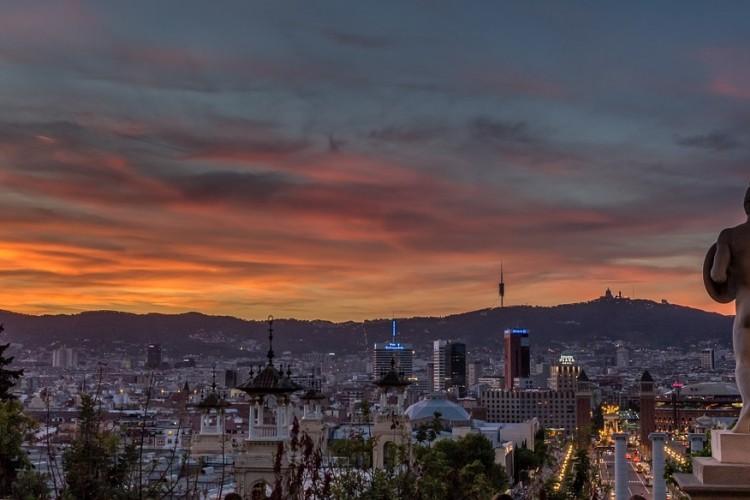 5 oder 7 Tage in 2 Hotels inkl Frühstück in Barcelona und dem Badeort Sitges mit Flügen ab 329€